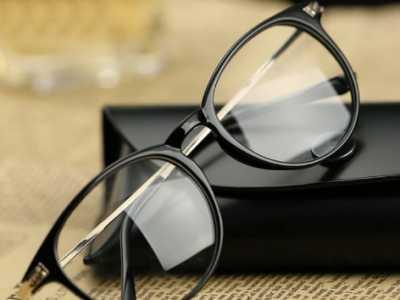 男生戴什么眼镜帅 男生戴什么眼镜好看