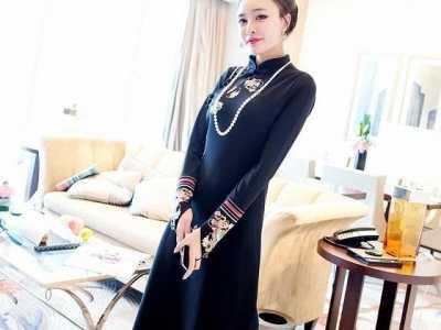 外国人穿中国风衣服 看看国外服装的中华民族元素